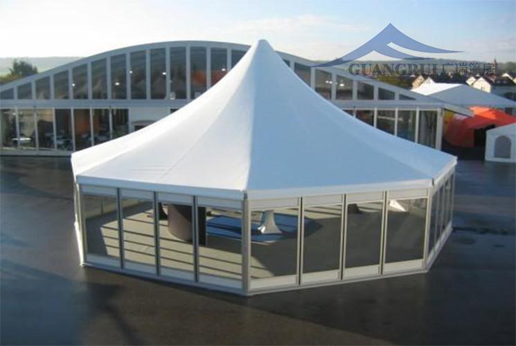多边形尖顶篷房